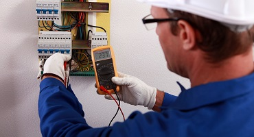 An electrician - Services and Service